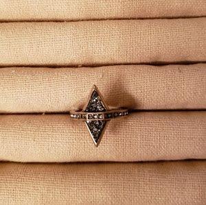 Chloe + Isabel Jewelry - Chloe + Isabel Amulet Ring, Size 7